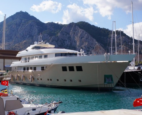 42m Displacement